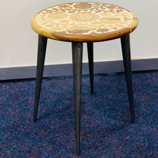 carving side table